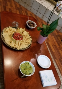 appetizers, chips and salsa, and guacomole